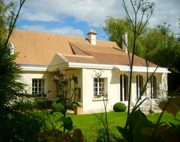 Villa Noisy Le Roi, 8 pièces, 180 m2