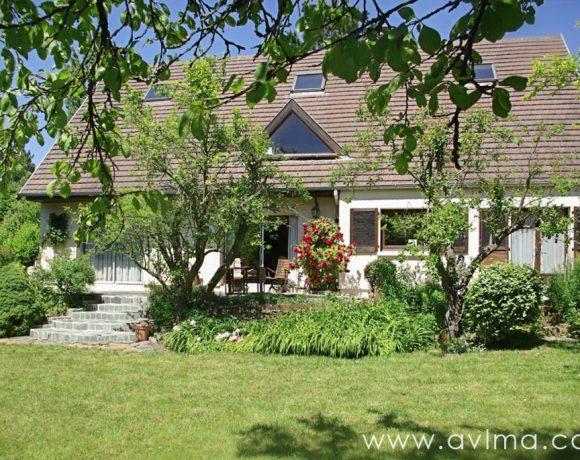 Maison Saint Nom La Breteche 8 pièce(s) 210 m2