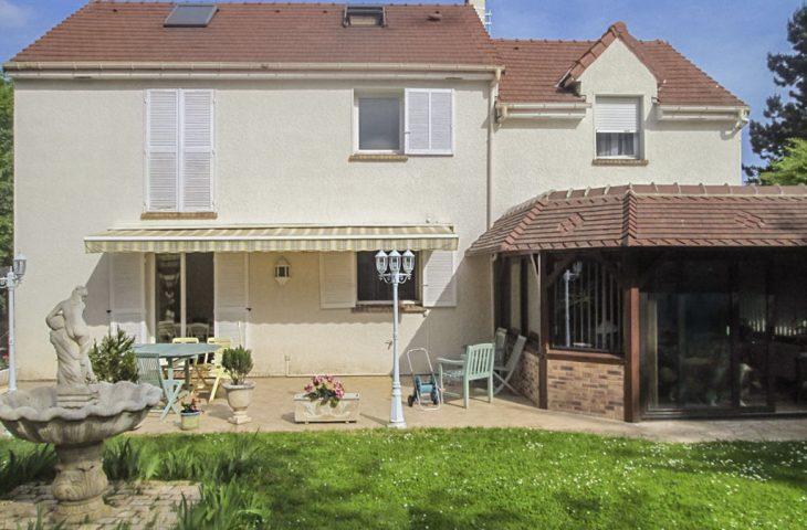 Maison Saint Nom La Breteche 7 pièce(s) 162.51 m2