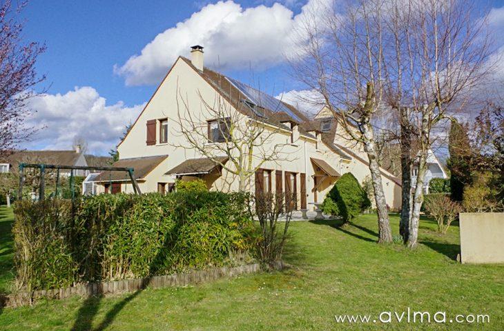 Maison Saint Nom La Breteche 9 pièce(s) 240 m2