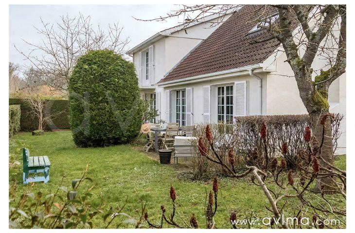 Maison Saint Nom La Breteche 8 pièce(s) 183 m2