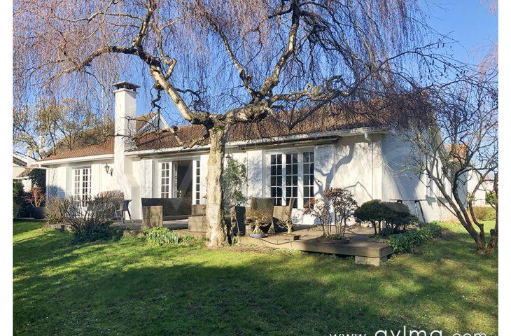 Maison Saint Nom La Breteche 7 pièce(s) 176 m2